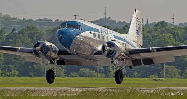 DC-3 Flight to View the Solar Eclipse