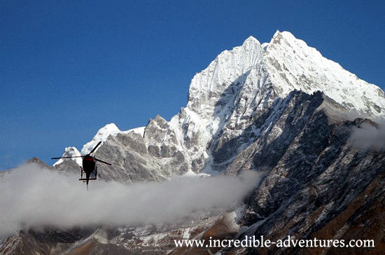 Helicptor Parachute Jump at Mt Everest