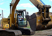 Big machines, Big Fun - operate heavy construction machinery like the pros