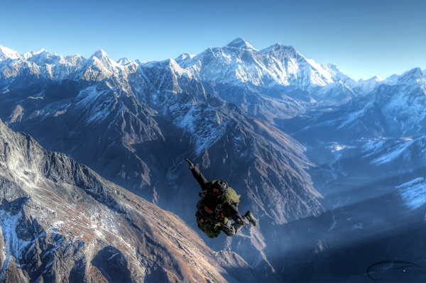 Everest Skydive is open to advanced solo jumpers.