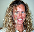 Joanne Frazer, Dertified Dive Instructor for Shark Diving in the Bahamas